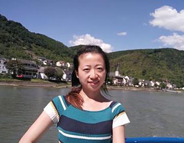 杨薇 中国书法家协会会员 江苏运河高等师范学校专职书法讲师