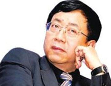 余秋雨  中国著名当代文化学者,理论家、文化史学家、作家、散文家。
