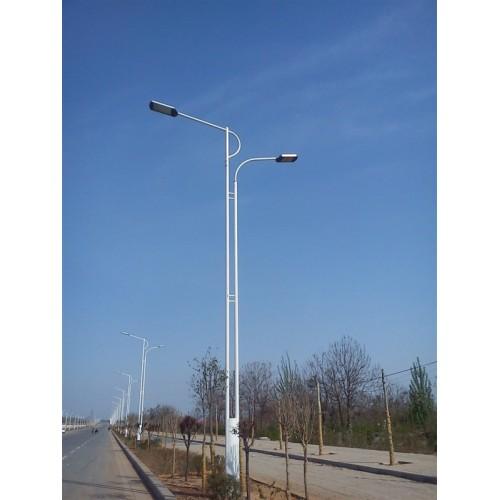 德宏6米太阳能路灯