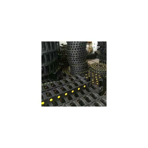 河北益宏,工程塑料拖链,坦克尼龙拖链,雕刻机风琴防护,机床排屑机