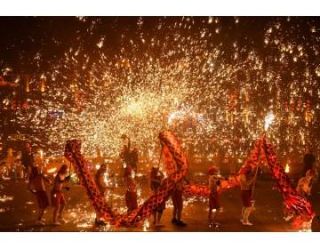 山东台儿庄:火龙钢花迎新年